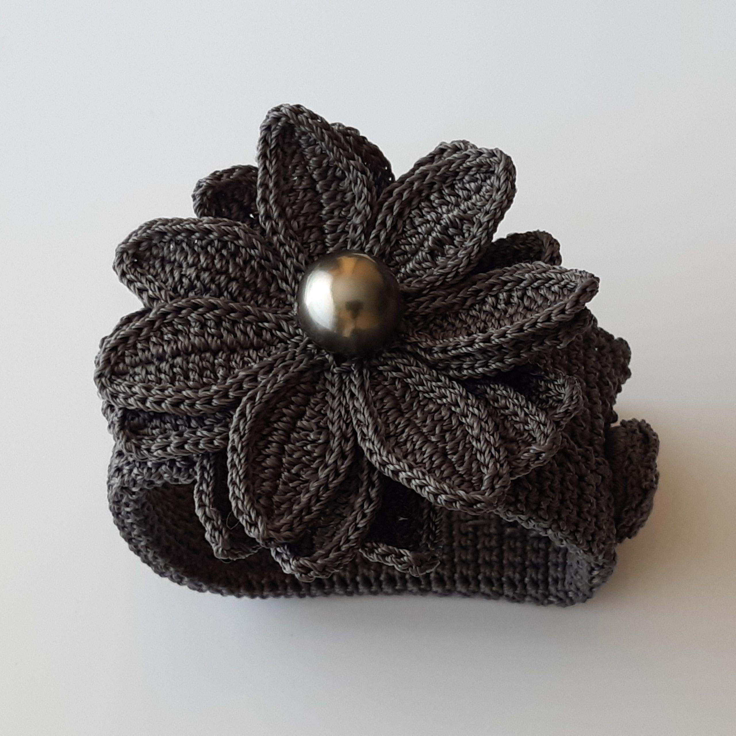 Brazalete de perla de Tahití y crochet